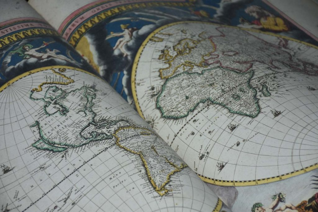 A world map, invented by the Dutch - Copyright Pieter Beens